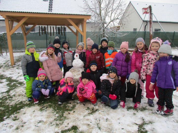 Sněhové radovánky Broučci
